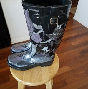 none Shoes - rubber boots with lined interior size 8